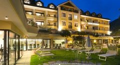 Alpine-City-Wellness Hotel Dominik
